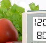 Blutdruck natürlich senken / In dieser Kategorie haben wir Rezepte gesammelt, die den Blutdruck natürlich senken können. Eine große Rolle spielt dabei eine abwechslungsreiche Ernährung. Unsere Rezepte basieren auf der Grundlage von besonders mineralstoffreichen Lebensmitteln mit vielen gesunden Zutaten, ungesättigten Fetten und wertvollen Ballaststoffen. Lassen Sie sich überraschen wie leicht und einfach diese Rezepte sich zubereiten lassen.