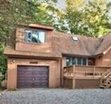 Snodgrass Contemporary Retreat / Vacation rental home in Lake Wallenpaupack, PA! Call Cindy at 570-878-0399.