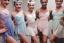 dance moms / are you a fan of dance moms like me check out all theese cool pics and videos and you will be soon