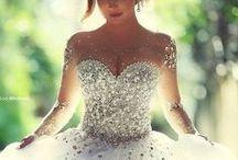 Vestidos de Formatura/Debutante/Casamento/Festa / Vestidos variados para formandas, noivas, debutantes, madrinhas, entre outros.
