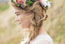 Blumenkränze / Blumenkränze für die Braut soweit das Auge reicht! Lasst euch inspirieren von den angesagten Flower Crowns.