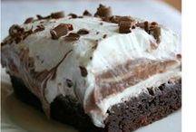 Cakes / by Belinda Tyler