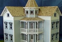 Dollhouses and Miniatures / by Jan Sherman