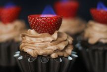 Cakes & Cupcakes / by Mandy Stansfield