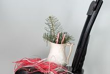 Vintage Christmas Decorating / Holiday decorating with a vintage twist / by Sheila OConnell