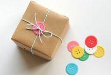 Paquets cadeaux / by Laetitia Delcher