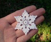 Virkatut lumihiutaleet / Crochet snow flakes