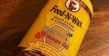 Feed-N-Wax / Use Howard Feed-N-Wax to prevent drying and cracking while preserving the wood finish. Feed-N-Wax is a special blend of beeswax, carnauba wax, and orange oil. It enhances the natural beauty and depth of grain in finished and unfinished wood, especially oak.