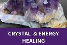 Courses in Crystal Healing / Crystals help to balance the body, mind and emotions. The energy vibrations of their perfectly balanced inner structure align with the energy vibrations of the different areas of our body, restoring balance.  Balance creates optimum conditions for the body's own natural healing process to start up.