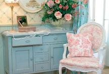 Home Decor/Shabby Chic Inspiration / by Alison Mannes