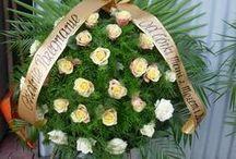 Wieńce Pogrzebowe / Wieńce w naszej firmie pogrzebowej wykonuje florystka z kilkudzisięcio letnim stażem zawoowym. Zapraszamy do zapoznania się z fotoglarią.