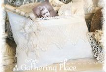 Pillows Très Chic