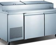 Sandwich and Salad Prep / Restaurant and bar equipment, refrigerated work tables, salad, sandwich and pizza prep center