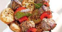 Rezepte│GRILLEN / Egal ob vegetarisch, vegan, mit Fleisch, als exotische Fisch-Tapas oder gar Kuchen vom Grill. Hier finden sie die raffiniertesten Grillrezepte.