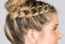 Frisuren & Haarstyling / Du liebst es, die verschiedensten Frisuren auszuprobieren. Sämtliche Flechttrends dieser Saison hast du schon durch und neue Inspiration muss dringend her? Wie wäre es mit einer spektakulären Hochsteckfrisur, wunderschönem Balayage oder einem Long Bob?