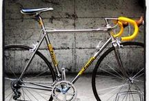 """Beautiful """"Vintage"""" Bikes / There's nothing wrong with modern bikes but...well, these are just beautiful!"""