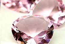 Gioielli e Pietre Preziose/ Jewellery & Gems