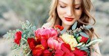 CZERWONY ŚLUB wedding inspirations 2017 2018 / Wedding in red, red decor, stationery, flowers, reception, tables, wedding dress. Czerwone dodatki ślubne, czerwone dekoracje weselne, zaproszenia, menu, stół weselny, bukiet ślubny, suknia ślubna, czerwone kwiaty