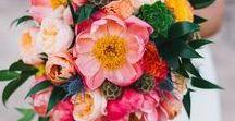 ŚLUBNE TRENDY 2018: BUKIET PANNY MŁODEJ wedding flower trends 2018 / wedding flower trends 2018 bukiet panny młodej 2018 - ślubne trendy Ciekawi was jakie bukiety ślubne będą najmodniejsze w przyszłym roku? Wszystkie znaki na niebie i ziemi wskazują, że najważniejszym nowym trendem będą duże bukiety o swobodnej kompozycji, kwiaty z gatunków cechujących się dużymi płatkami i wielobarwność