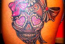 Sugar skulls day of the dead / Love em