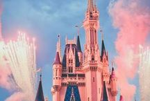How to save money at Disney World | Budget / How to save money at Disney World - Disney on budget for families,  Disney world tips and tricks, Disney world secrets, Disney cheap or free things to do, Disney hacks, Disneyland,  Save money. #disneyworld