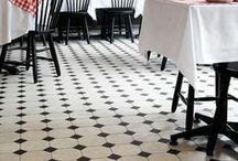 Restaurants, tables / by Virginie Bichet