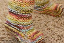 Носки и вязаная обувь