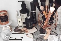 Makeup - desk organization