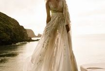 Coachella Pieces  // L'eto Bridal Collection / L'eto Bridal is an Australian luxury bridal wear brand based in Sydney. Founded in 2017 with a vision to design contemporary pieces for an artful and chic gals looking to wear something that looks cool and non traditional /