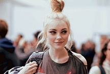 The Best Top Knots / Fun bun, bun, sock bun, top knot, twist...whatever you call it, this updo is everywhere! Here are 15 of our favourite looks...