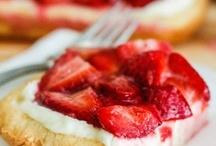 Food/Desserts / by Kathryn Miller