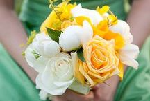 A Pop of Yellow / A bright color that reminds us of the sun can be just the pop of color for a fun wedding or celebration.