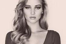 Jennifer Lawrence Style File / Everything J-Law!   http://www.secretsalons.com/pictures/Jennifer-Lawrence/1/