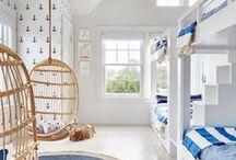 Beach house (white/blue/wood)