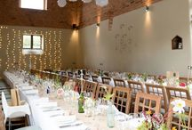 Dodmoor House Venue / Dodmoor House is such a fantastic wedding venue. The ceremony barn and reception are all on site with gorgeous grounds surrounding the lavender courtyard.