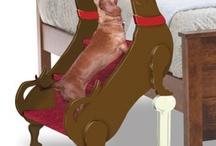 En ypperlig anretning for feite dachshund som ikke lenger klarer å hoppe opp i sengen til sein eier.....