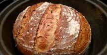 Godt brød! / Alle kan lage bakeri-brød hjemme, alt man trenger er en jerngryte med lokk! Her får du tips til brød med og uten surdeig.