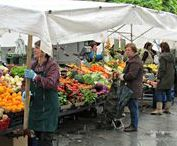 Food- the weekly market in Segovia, Spain / Fruits, vegetables and delightful people