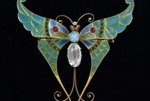 Antique and vintage jewelry / by Julie Duckworth