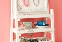 Antique Shop Display Ideas / Getting ideas for eye-catching displays in the antique shop.