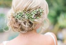Wedding Hairstyles / The best wedding hairstyles and wedding hair for the bride and bridesmaids. Find your favorite bridal hair style or the best bridesmaid hair and inspiration for all of the events leading up to your wedding day.