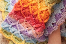 Crochet: Blankets and Rugs / by Melina Dahms