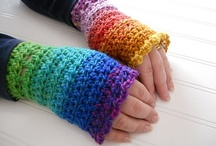 Crochet: Arm Warmers and Gloves / by Melina Dahms