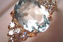 Jewelry and weddings rings / Joyas para novias y ceremonias nupciales