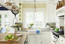 Kitchen / by Megan Dinan
