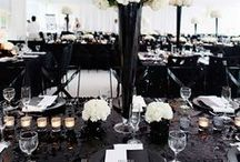 Black and White Wedding / Hochzeitsdeko in Schwarz & Weiß - Diese Dekorationsideen sind perfekt geeignet für eine Black & White - Mottohochzeit. http://www.weddix.de/hochzeitsshop/farbwelten/hochzeitsdeko-schwarz-weiss.html