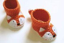 Chaussons au crochet et au tricot DIY / by Les Casse Pieds