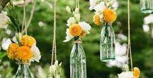 Yellow Wedding / Hochzeit in Gelb - Du liebst die Farbe Gelb oder feierst eine richtig schöne Sommerhochzeit im Garten? Dann lass dich von unserer Hochzeitsdeko und Hochzeitskarten mit gelben Farbakzenten inspirieren. ❤