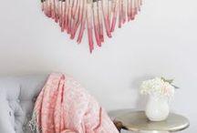 Hochzeitsdeko mit Herzen / Was könnte besser zu einer Hochzeit passen als Deko und Accessoires in Herzform? Hier gibt es jede Menge herzige Inspirationen, Produkte und Ideen für die Traumhochzeit. Viel Spaß beim Stöbern!
