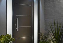 Aménagement extérieur / Porte d'entrée, terrasse et jardin